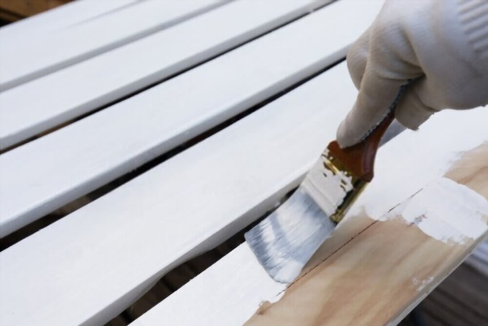 How to Paint a Picket Fence
