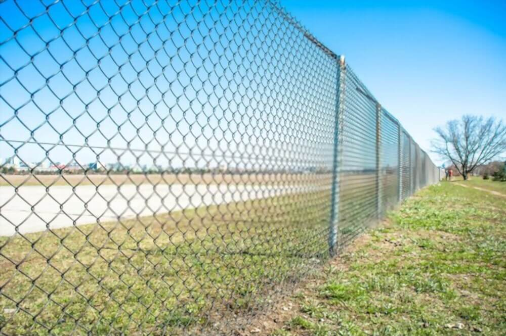 Woven Wire Fence Pros and Cons